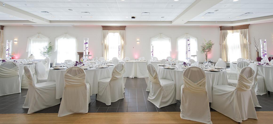 Table lors d'une réception de mariage dans la salle Grand fort