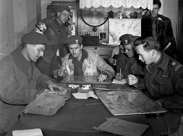 Le quartier général tactique des Fusiliers Mont-Royal, 29 avril 1945
