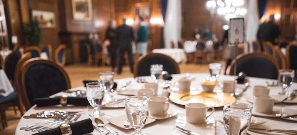 Table dans le Salon Richelieu