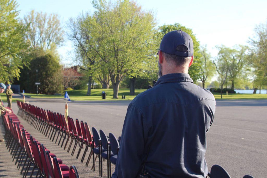 Préparation d'une cérémonie extérieur à la Coporation du Fort St-Jean